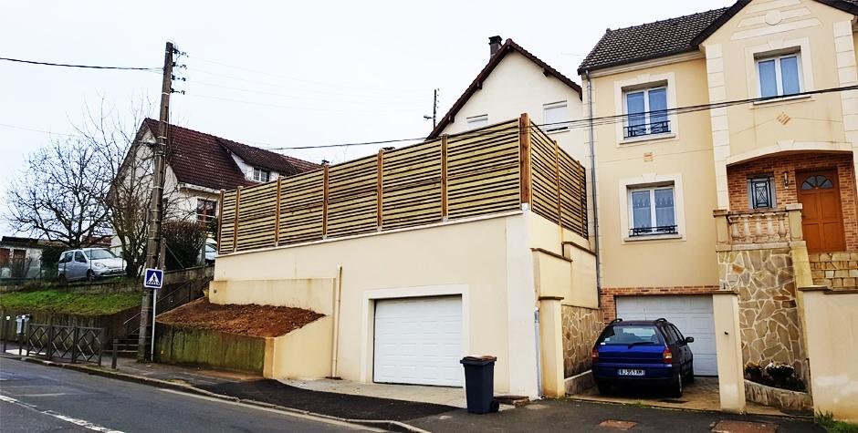 Un garage à Massy